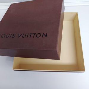 Louis Vuitton sqare gift box